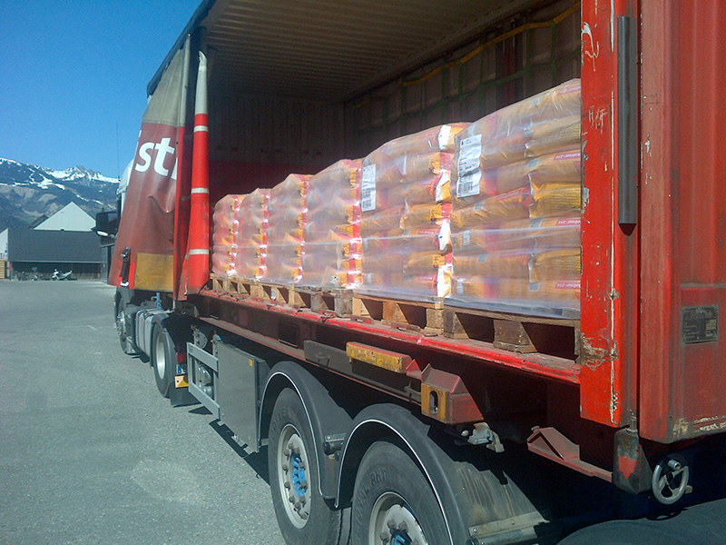 Vorlauf im Lastwagen für Sika-Transport