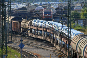 Nürnberg Rbf mit ausfahrendem Güterzug